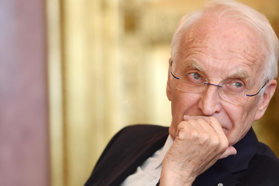 Der frühere bayerische Ministerpräsident Edmund Stoiber mahnt den Abbau von Bürokratie in der Corona-Krise an.