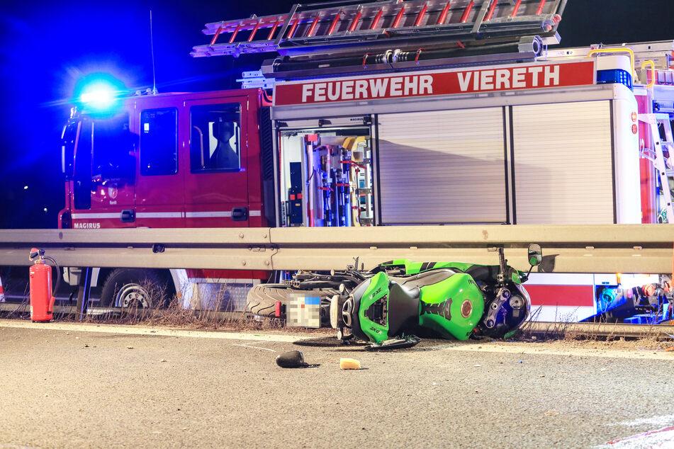 Der 38-jährige Motorradfahrer starb noch an der Unfallstelle.