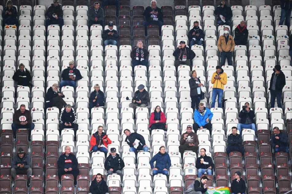 Wenige Fans durften das Heimspiel des FC St. Pauli gegen den 1. FC Heidenheim verfolgen.