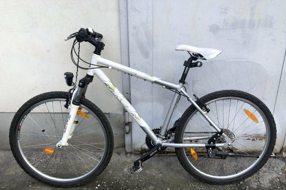 Eines der beiden Fahrräder, welches seinen Besitzer sucht: Ein Mountainbike K2.