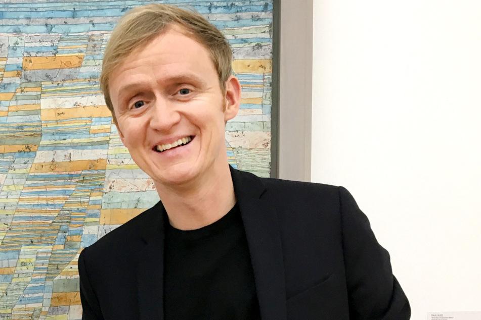 Moderator Pierre M. Krause (43).