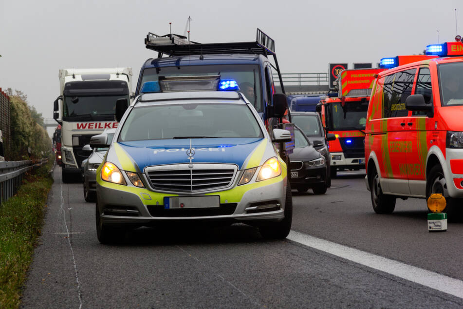 Die A1 ist nach einem tödlichen Unfall zurzeit in Fahrtrichtung Dortmund gesperrt. (Symbolbild)