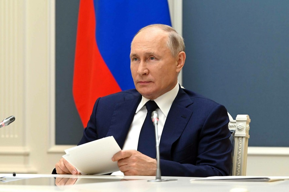 Putin signs new strategy paper to counter pressure from the West