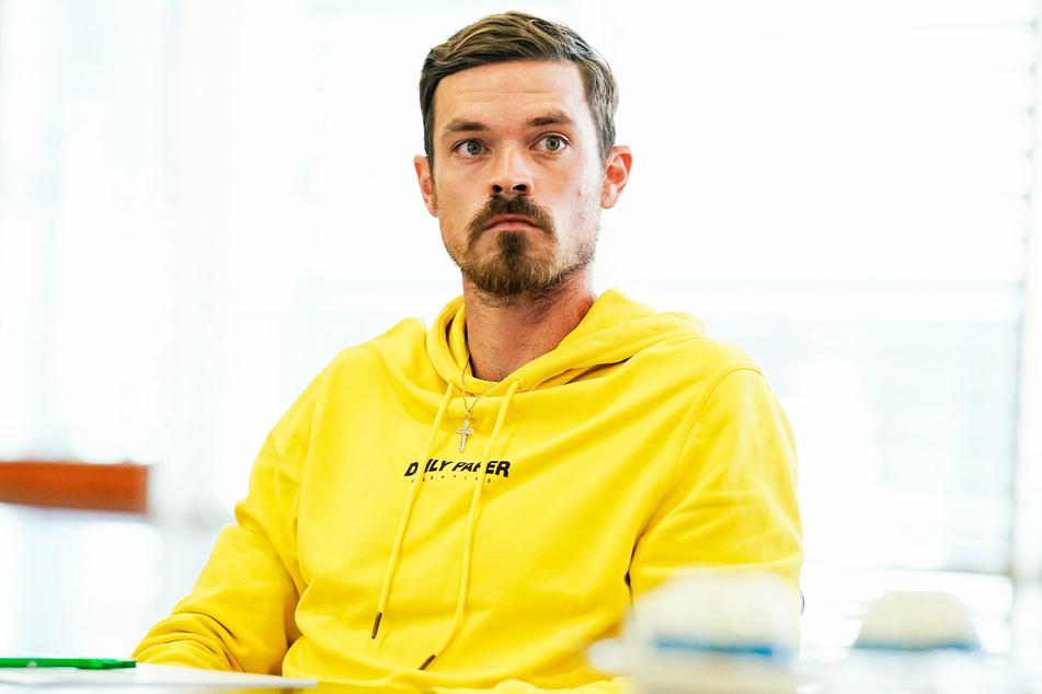 Dennis Erdmann (30) wies die Anschuldigungen der Magdeburger Spieler von sich.