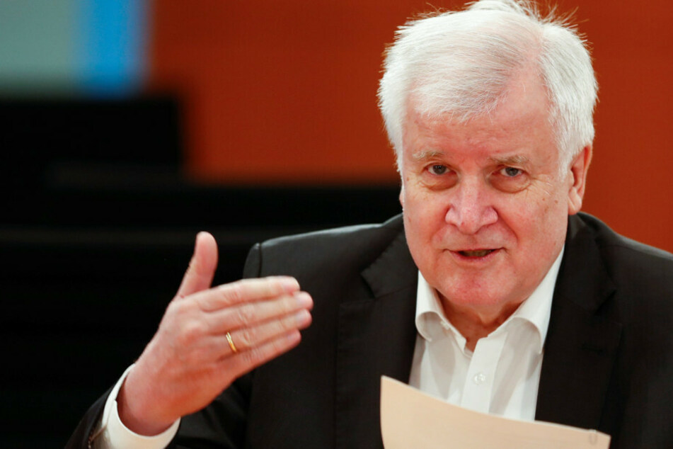 """Verwirrung um Seehofer: Anzeige gegen """"taz""""-Journalistin noch immer offen"""