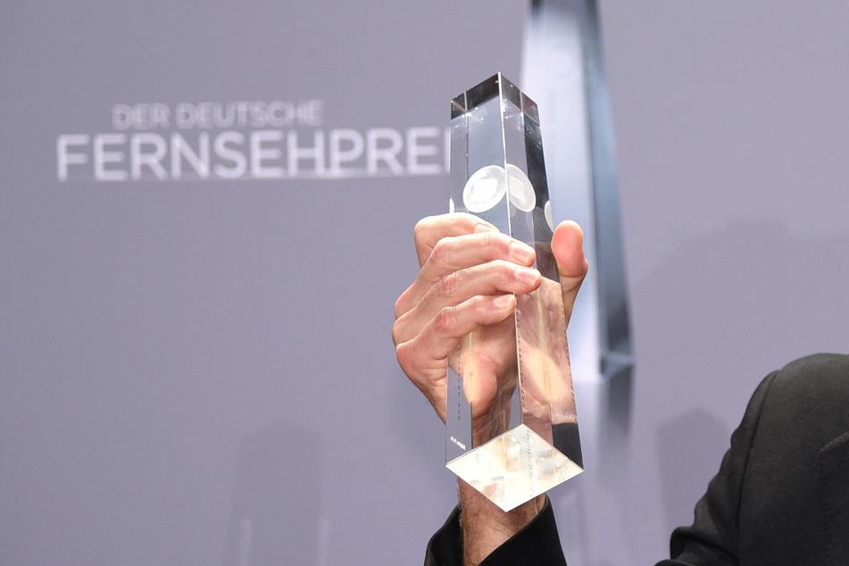 Die Trophäe des Deutschen Fernsehpreises: Der Preis wird seit dem Jahr 1999 für hervorragende Leistungen beim Fernsehen verliehen.