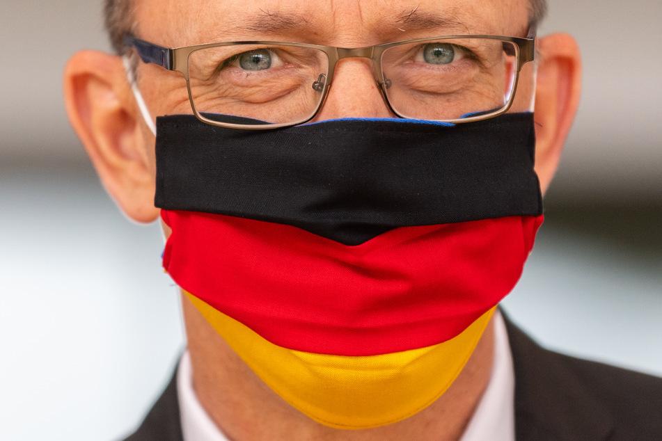 AfD-Chef Jörg Urban (55) wollte mit seiner Partei die Maskenpflicht in Sachsen abschaffen.