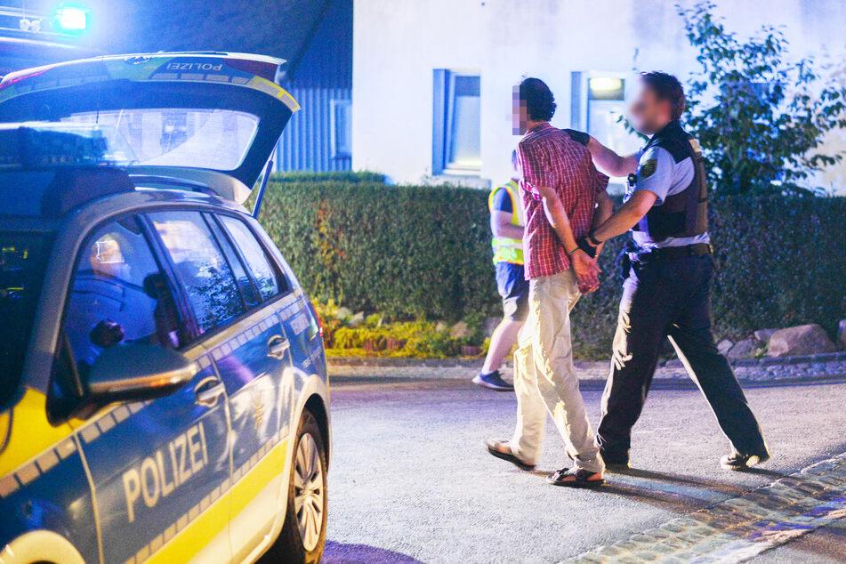 Am Ende des Unfall-Einsatzes wurde der Fahrer festgenommen.