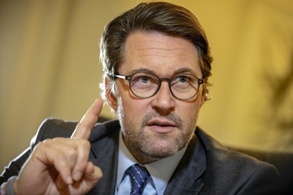 Bundesverkehrsminister Andreas Scheuer (46, CSU). Wegen Corona wurde die für 2020 angesetzte Zählung auf 2021 verschoben. Eine erneute Verschiebung hat man diskutiert, schlussendlich aber abgelehnt.