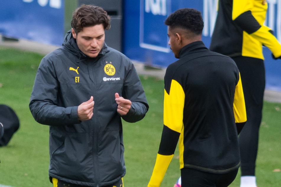 Knauff (r.) mit seinem Trainer und Förderer Edin Terzic (38, l.).