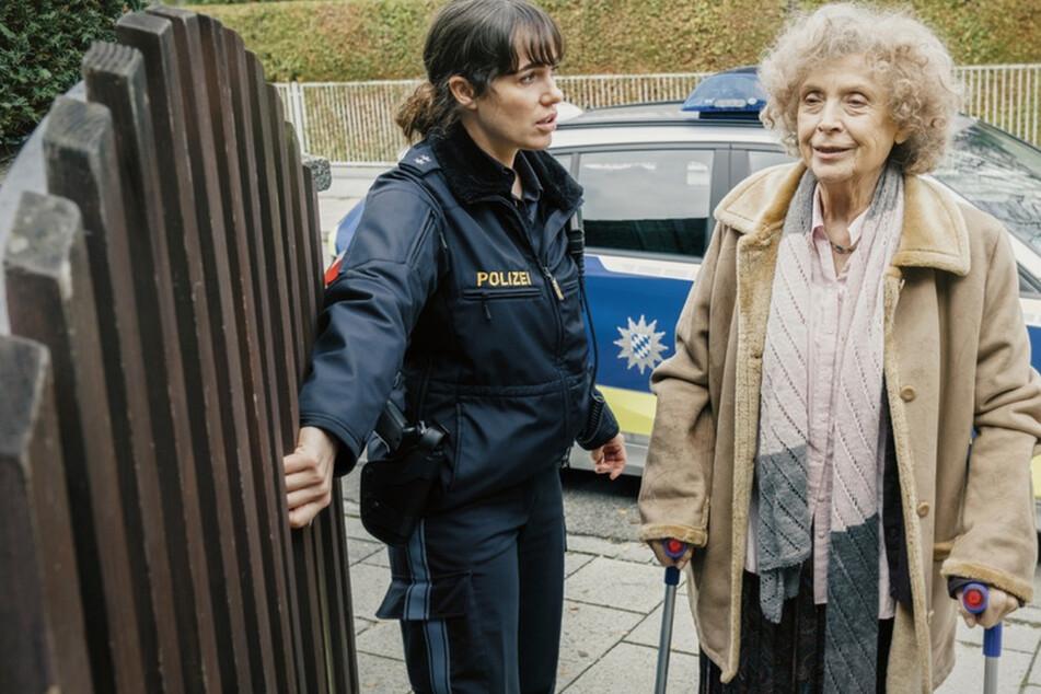 """Polizeioberkommissarin Elisabeth """"Bessie"""" Eyckhoff hilft der einsamen alten Dame."""