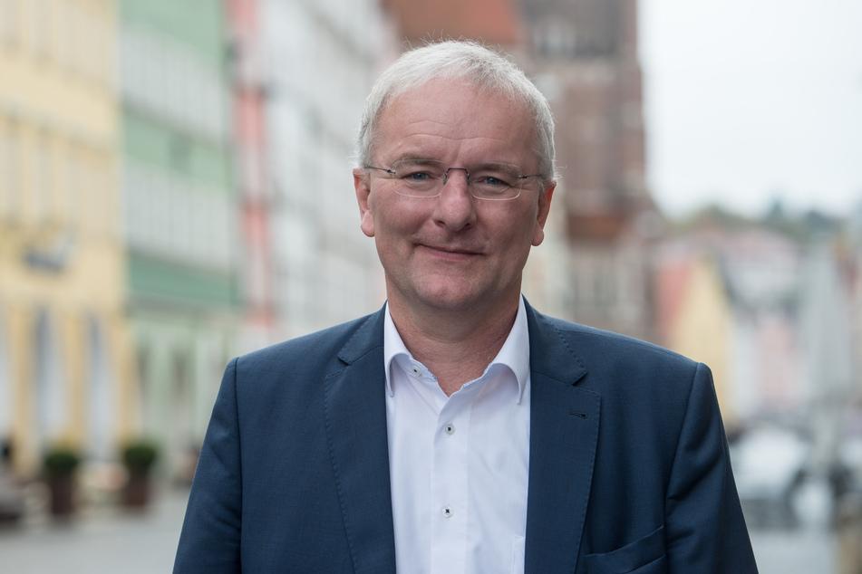 Alexander Putz ist aus seiner Partei, der FDP, ausgetreten. Diesen Schritt begründete er laut Mitteilung mit Unverständnis für die politische Linie der FDP bei den Corona-Schutzbestimmungen.