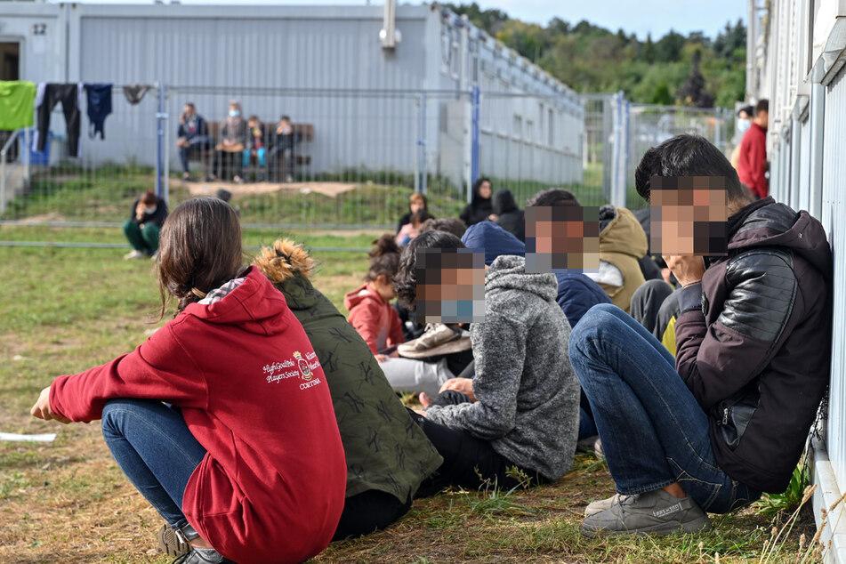 Auch die zentrale Erstaufnahmeeinrichtung für Asylbewerber (ZABH) des Landes Brandenburg wird immer voller. Überlastet sei sie noch nicht, hieß es.