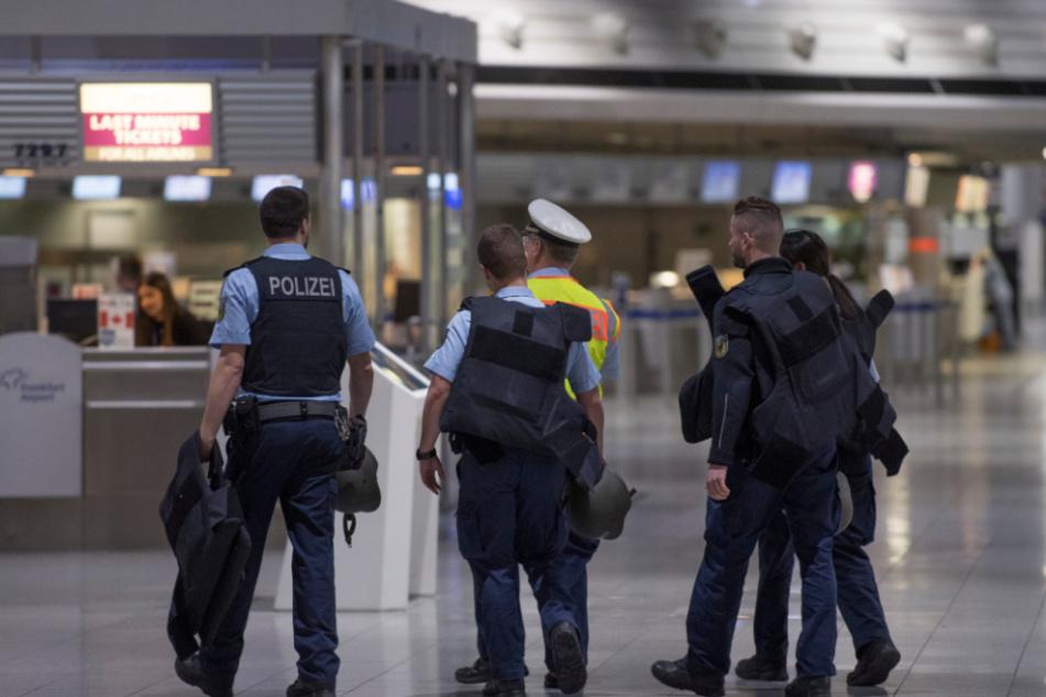 23 Jahre nach Kriegsverbrechen: Mann am Frankfurter Flughafen festgenommen