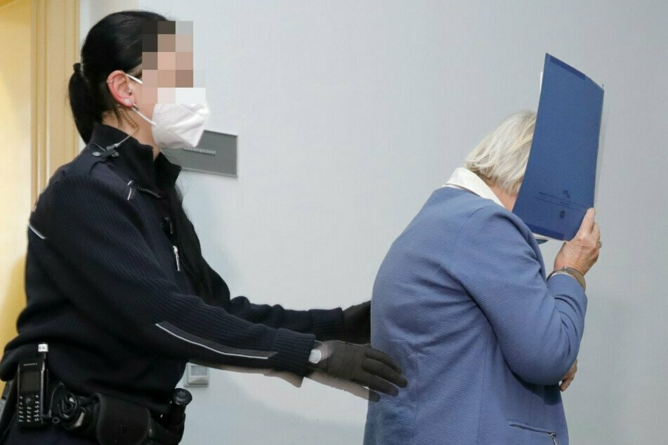 Sie soll ein Pflegekind mit dem Kopf in die Toilette gesteckt haben: Zeugenaussagen im Chemnitzer Mordprozess