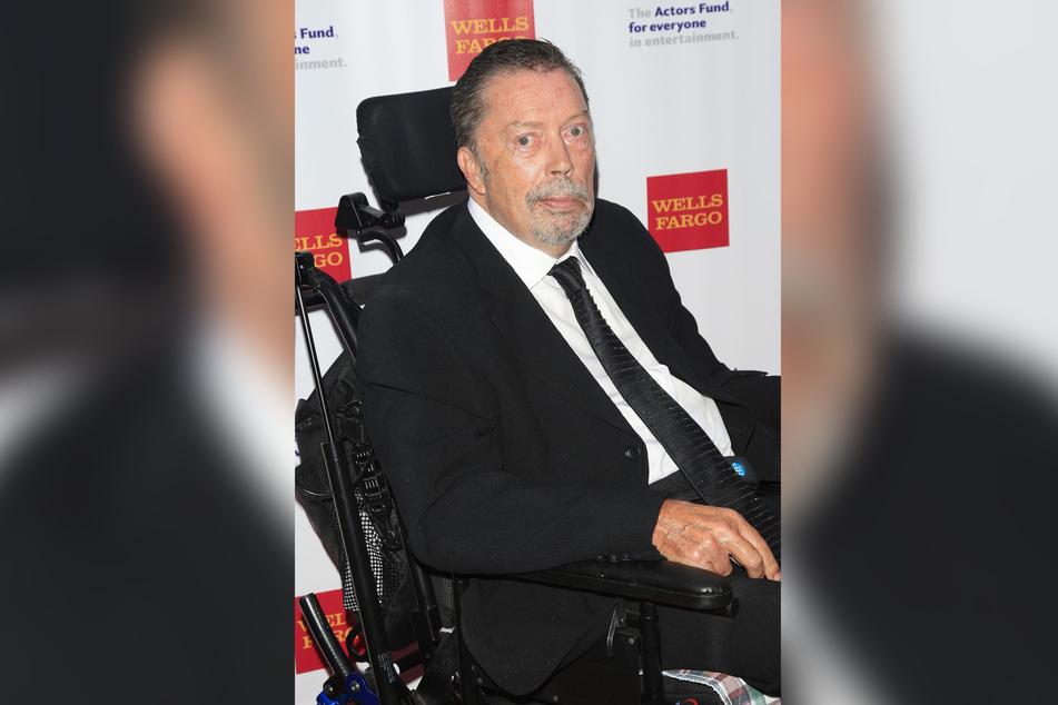 Tim Curry (75) sitzt heute im Rollstuhl, der Schlaganfall hat ihn gezeichnet.
