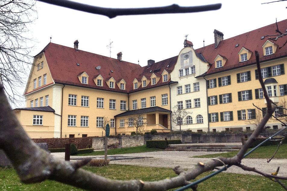 """Missbrauch in einer """"höllischen Einrichtung"""": Was ist im Piusheim nur geschehen?"""
