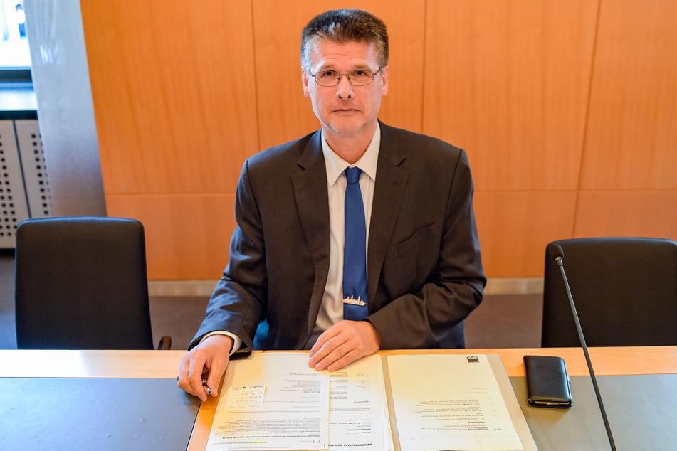 Der religionspolitische Sprecher der SPD, Ekkehard Wysocki (59), verurteilt den Farbanschlag.