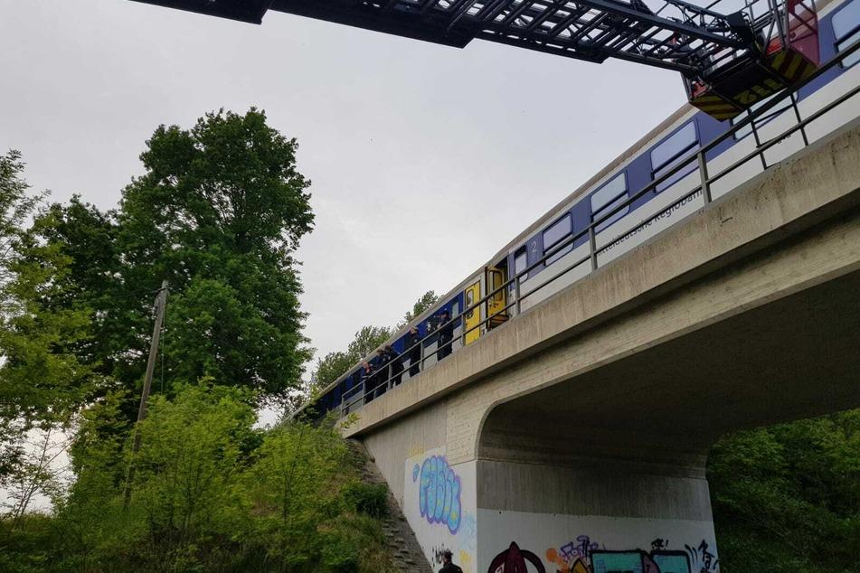 Bahnstrecke zwischen Leipzig und Chemnitz gesperrt: 70 Passagiere evakuiert