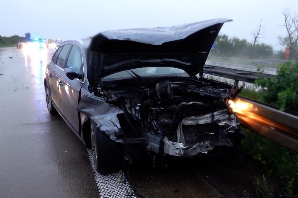 Mehrere Autos waren am Samstagabend in einen Unfall auf der A2 verwickelt.
