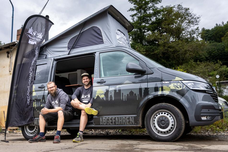 Felix Georgi (38) und Christopher Möckel (34) bauen Vans nach den individuellen Wünschen ihrer Kunden aus.
