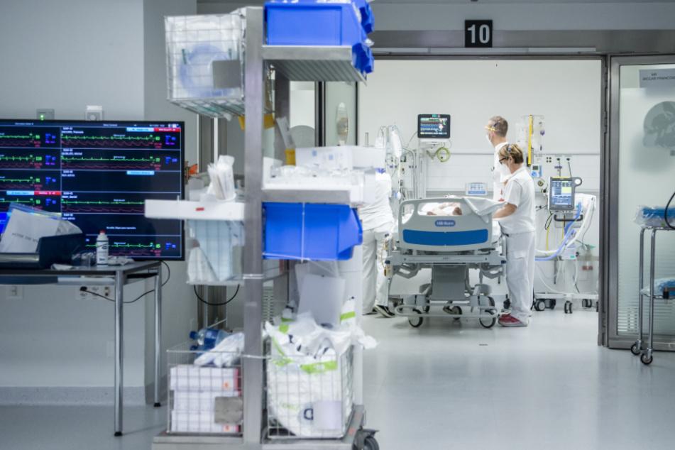 Das Freihalten von Betten für Corona-Patienten bringt die Krankenhäuser in die finanzielle Bredouille.