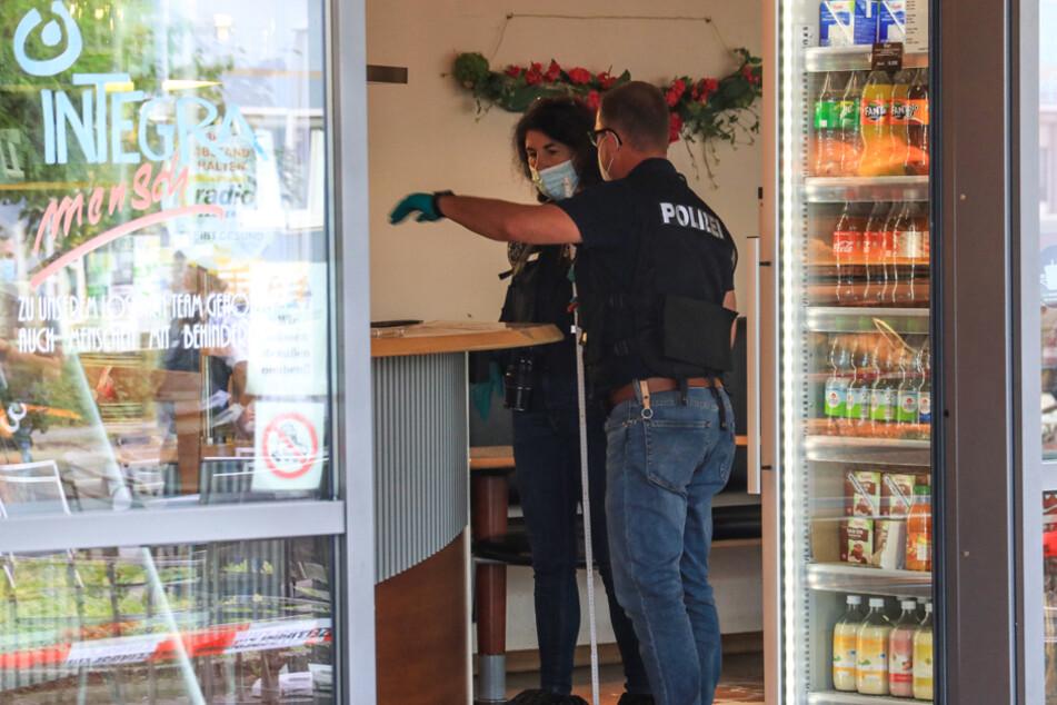 Die Beamten nahmen die Ermittlungen wegen eines versuchten Tötungsdeliktes auf.