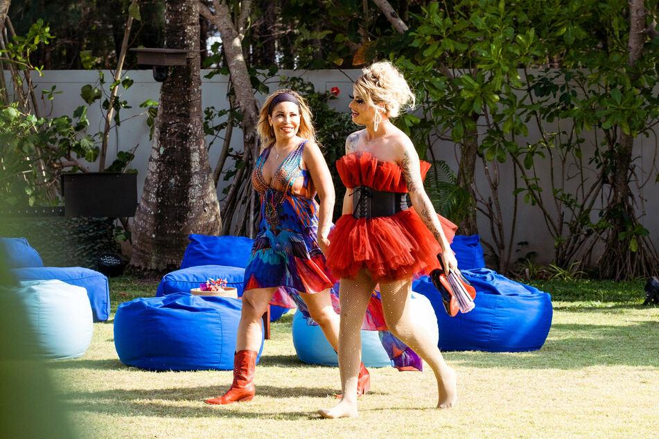 Stillleben: Patricia Blanco (50, l.) und Katy Bähm (28) haben NOCH gute Laune.