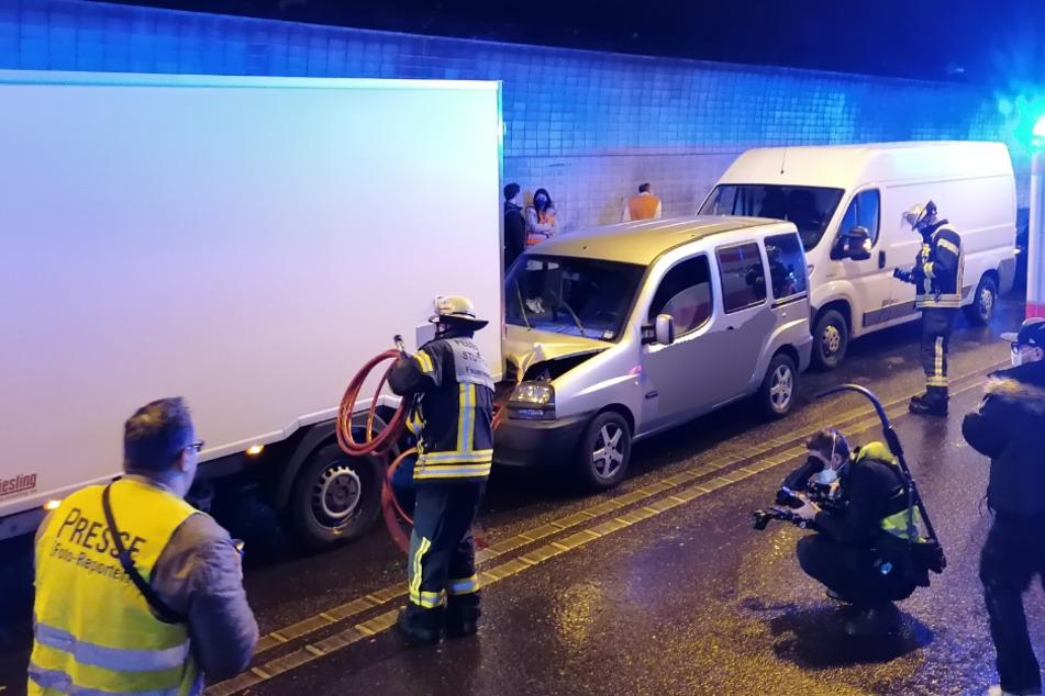 Wagenburgtunnel in Stuttgart nach schwerem Unfall gesperrt