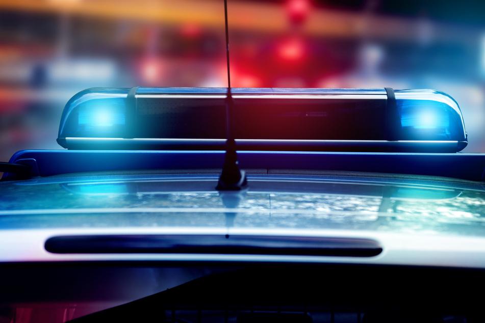 Die Chemnitzer Polizei nahm am Samstagabend einen 28-jährigen Mann in Gewahrsam, nachdem dieser auf ein Grundstück uriniert hatte und es zu einer Schlägerei gekommen war (Symbolbild).