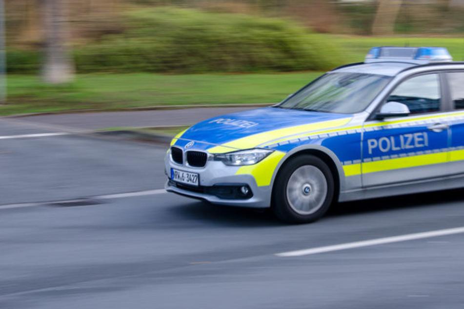 Dresden: Auto fährt rückwärts, Kind beinahe erfasst: Zeugen gesucht!