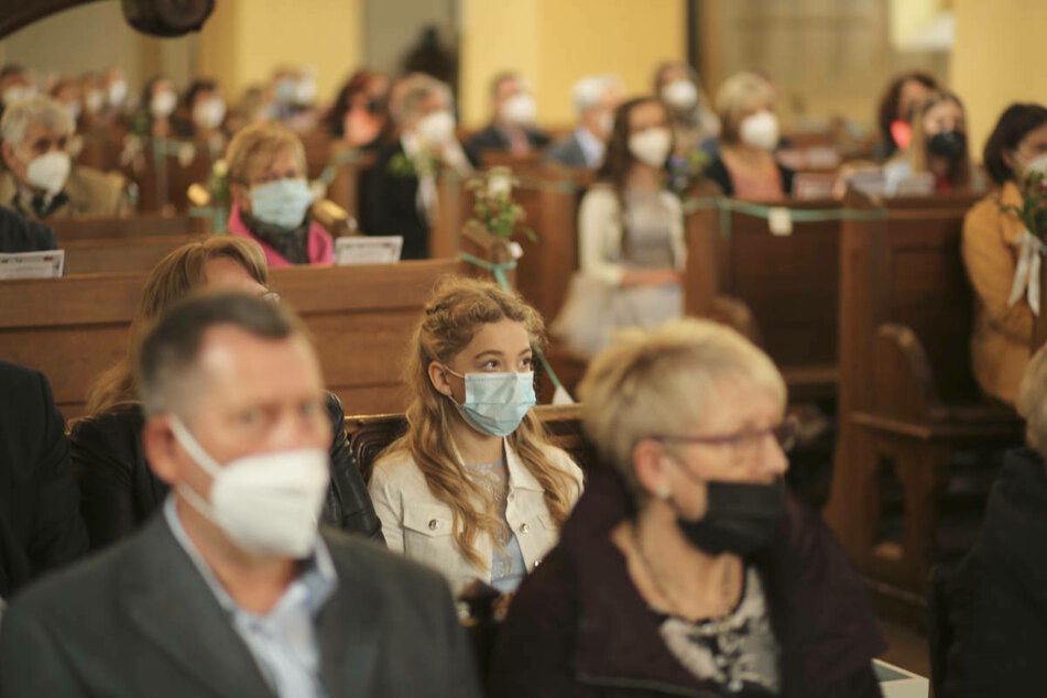 Bei Gottesdiensten ist der Gemeindegesang auch in Innenräumen wieder erlaubt.