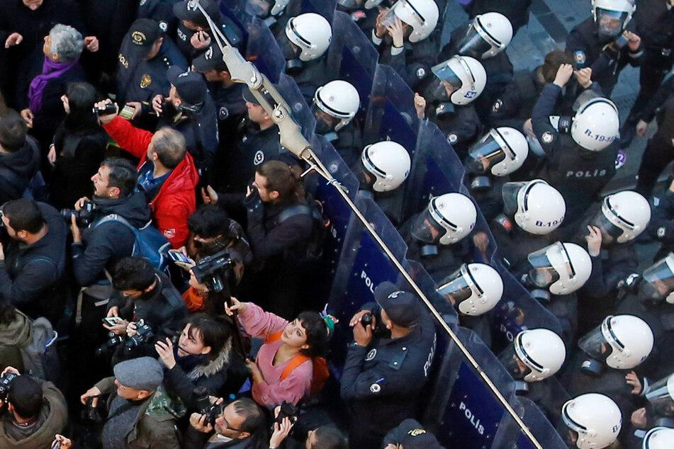 """Meinungsfreiheit in der Türkei """"weitgehend ausgehebelt"""""""