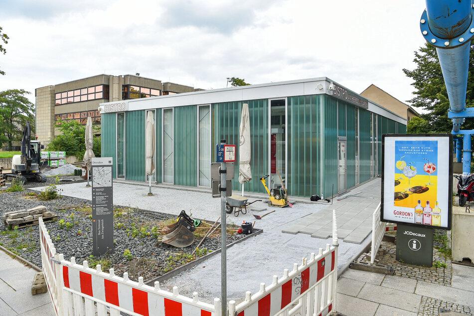 Am 1. August soll das Bistro öffnen. Derzeit wird noch an der Terrasse gearbeitet.