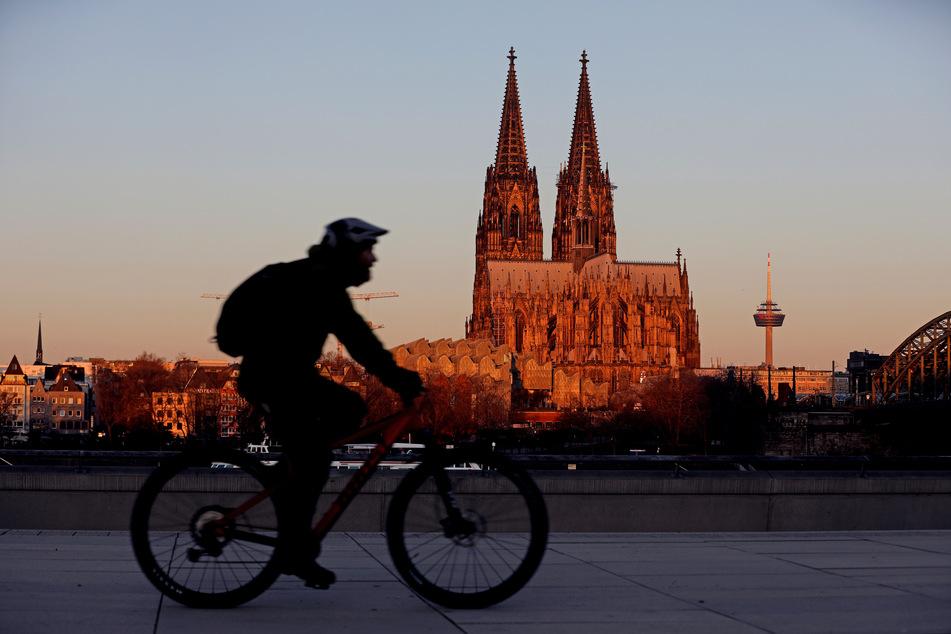 In Köln wird es stürmisch, kündigte der Deutsche Wetterdienst an.