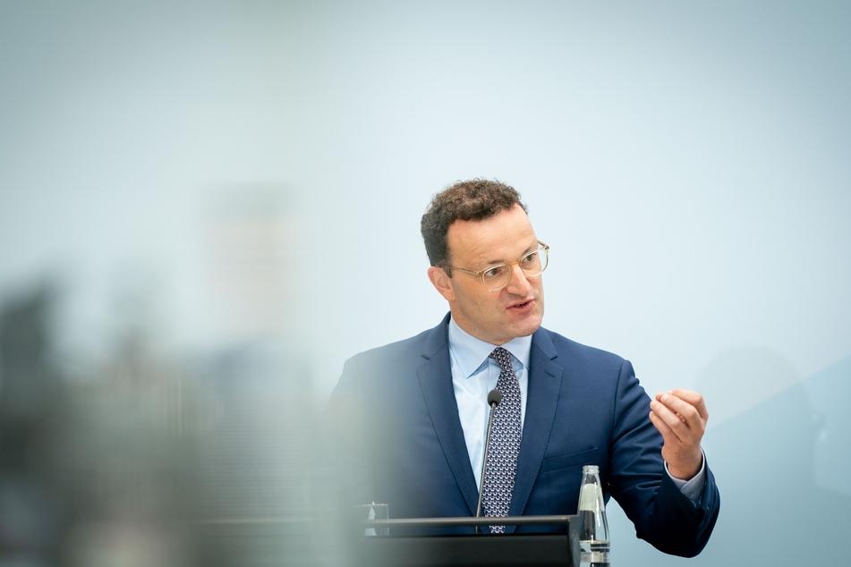 Gesundheitsminister Jens Spahn (40, CDU) macht Hoffnung auf einen Sommerurlaub. Tests könnten diesen auch für Ungeimpfte möglich machen.