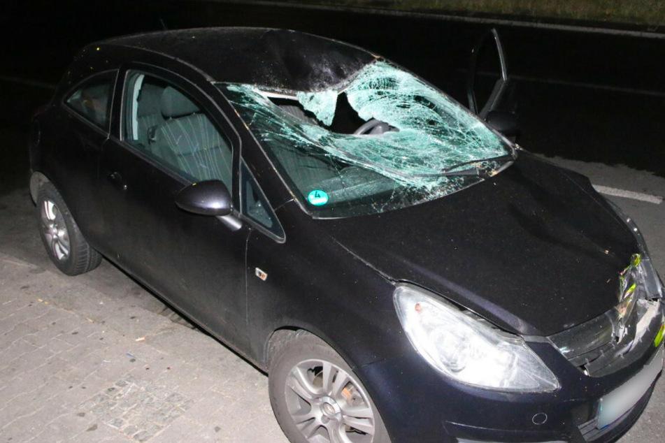 Horror-Unfall in Berlin: Fußgängerin meterweit durch die Luft geschleudert