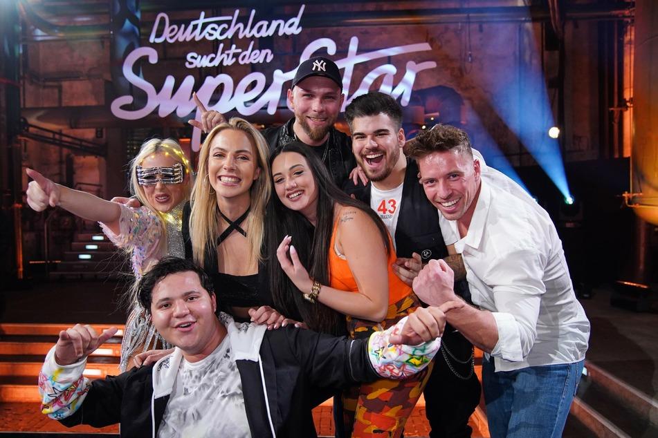 Sieben Gesangskünstler haben es in die Liveshows geschafft.