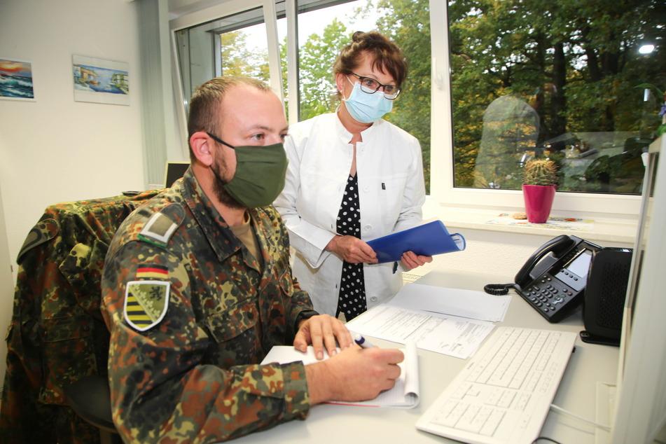 Chemnitz: Im Chemnitzer Gesundheitsamt helfen immer mehr Soldaten