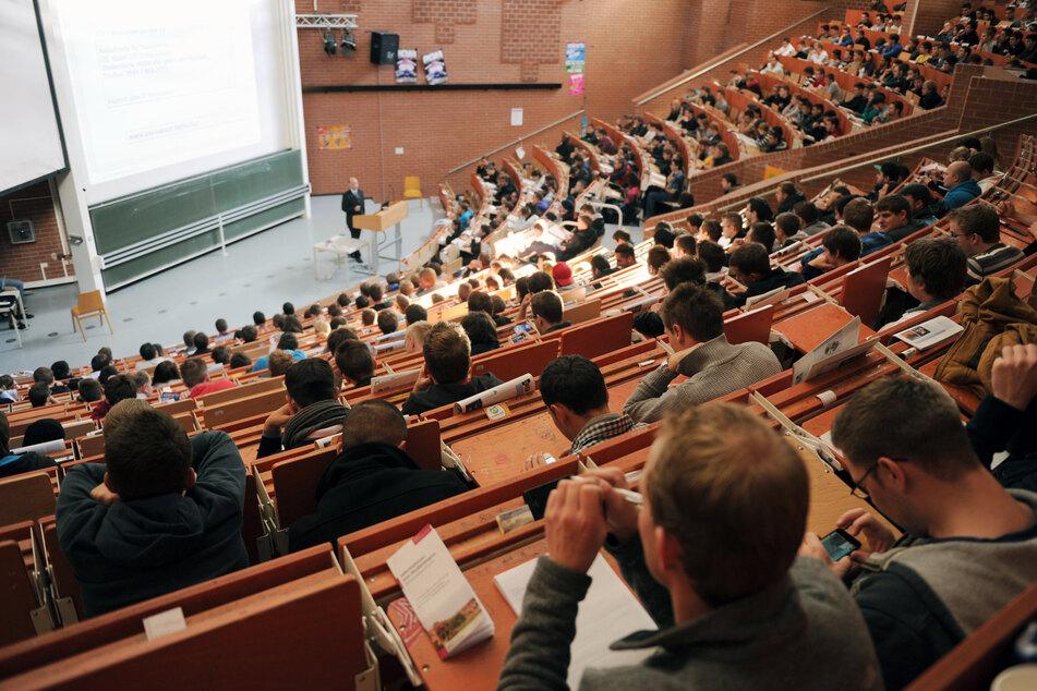 """Das neu gestartete Portal """"ORCA.nrw"""" (Open Resources Campus NRW) zur Vernetzung der Studierenden in Nordrhein-Westfalen ist das bundesweit größte dieser Art."""