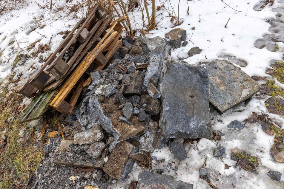 Das hätte richtig böse ausgehen können: Zum Glück haben die Steine niemanden getroffen!