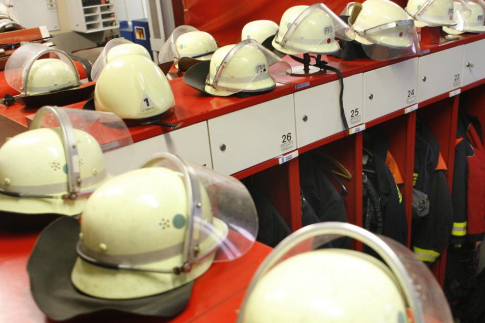 Auch Feuerwehrleute erfahren im Einsatz Aggressionen gegen sich. (Symbolbild)