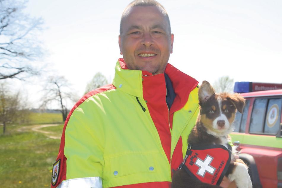 Jens Andörfer (53) zieht das kleine Fellbällchen jetzt zur großen Heldin groß.