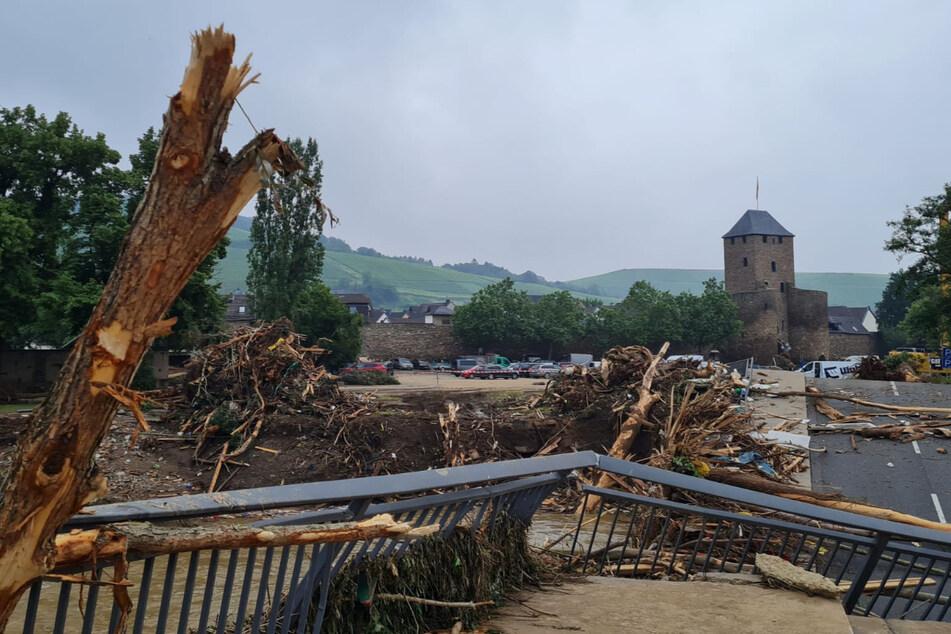 Die Flut zerstörte in Nordrhein-Westfalen und Rheinland-Pfalz ganze Ortschaften.