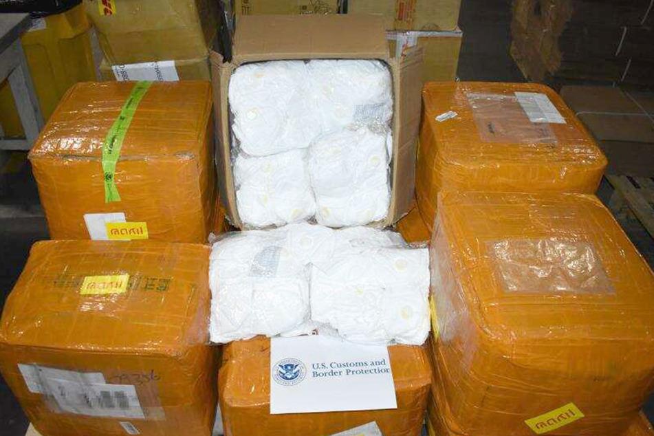 Zehntausend KN95-Masken sollten es sein. Doch es wurde nur unbrauchbares Zeug in die USA geschickt und vom Zoll sichergestellt.