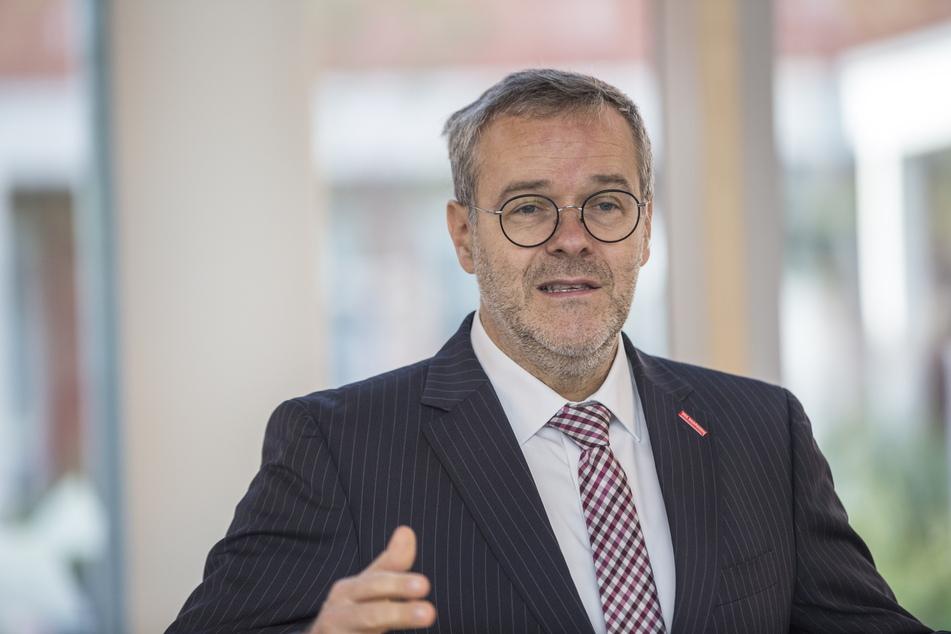Handwerkskammer-Präsident Jörg Dittrich (51) begrüßt die Erleichterungen für Dresdens Handwerker.