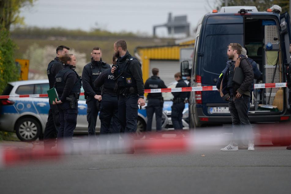 Drei Leichen auf Gelände von Betonbau-Firma entdeckt: Streit als Ursache?