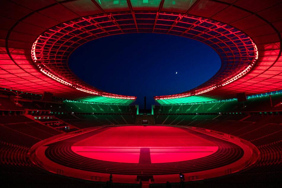 Union Berlin wird seine Heimspiele in der UEFA Conference League im Olympiastadion austragen und die Heimstätte des Erzrivalen Hertha BSC in Rot erstrahlen lassen.