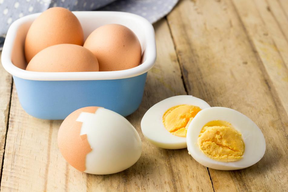 Das Eiersalat selber machen ist mit ein paar Handgriffen schnell erledigt.