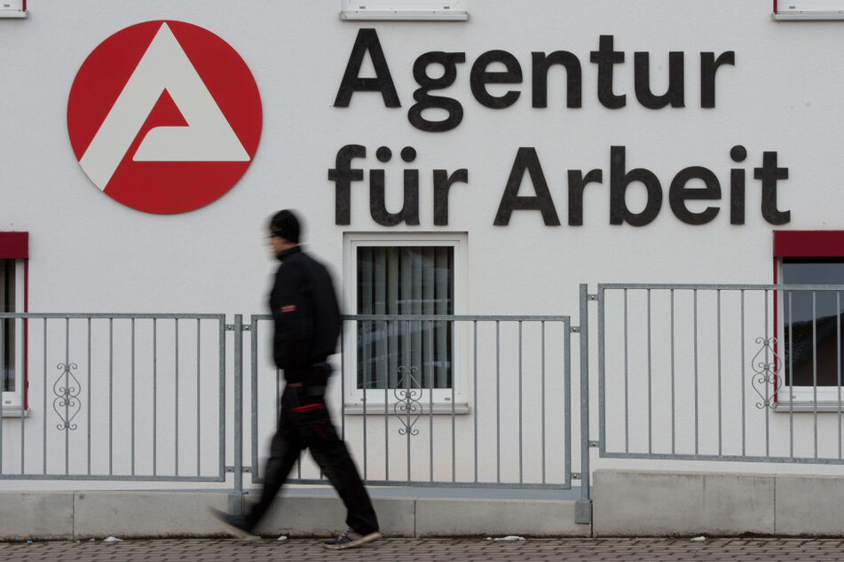 Mehr Geld: Mitarbeiter der Arbeitsagentur Gera und Stadt Jena verweigern ihre Arbeit